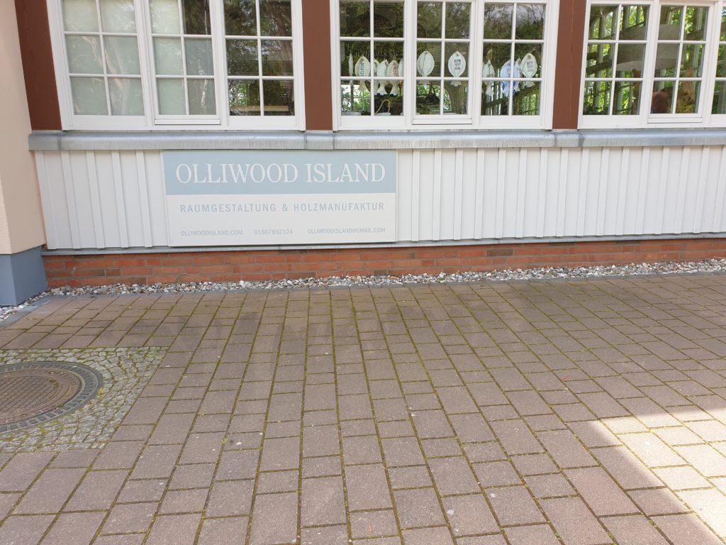 10:30 Uhr Treffen im Olliwood, neue Möbel bestellen
