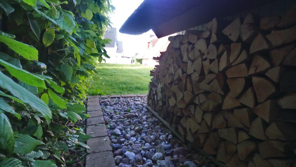 18:30 Uhr Holzvorrat ist aufgestapelt, Feierabend!